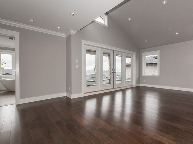 Photo 11: Photos: 337 W 17TH Street in North Vancouver: Central Lonsdale Home for sale ()  : MLS®# V1031838