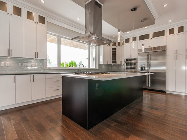 Photo 6: Photos: 337 W 17TH Street in North Vancouver: Central Lonsdale Home for sale ()  : MLS®# V1031838