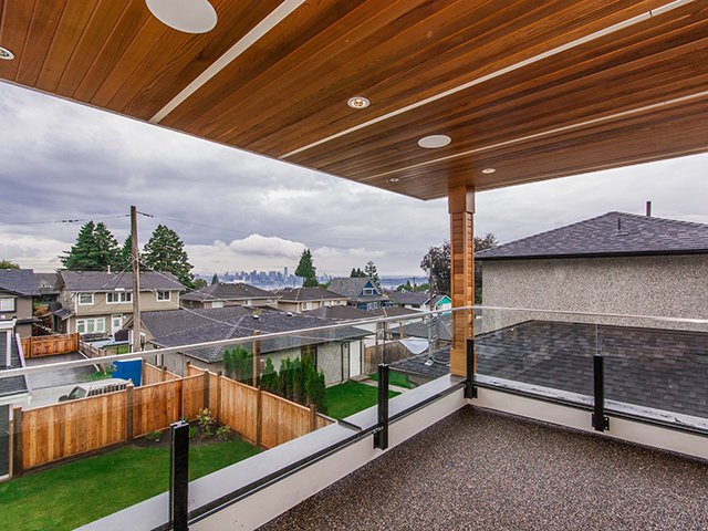 Photo 12: Photos: 337 W 17TH Street in North Vancouver: Central Lonsdale Home for sale ()  : MLS®# V1031838