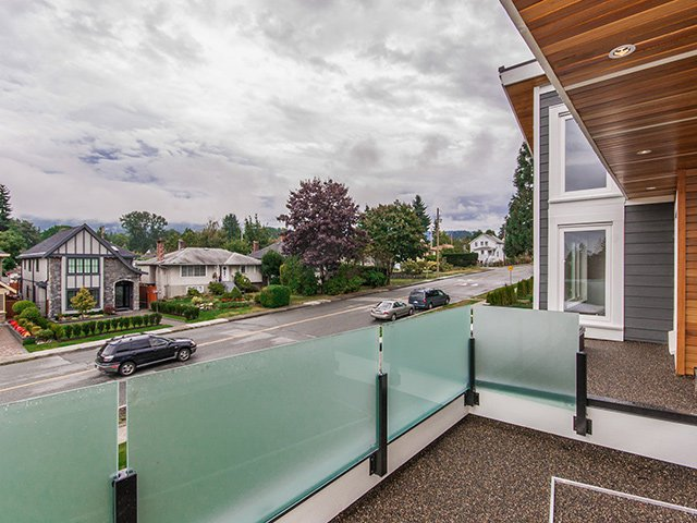 Photo 17: Photos: 337 W 17TH Street in North Vancouver: Central Lonsdale Home for sale ()  : MLS®# V1031838