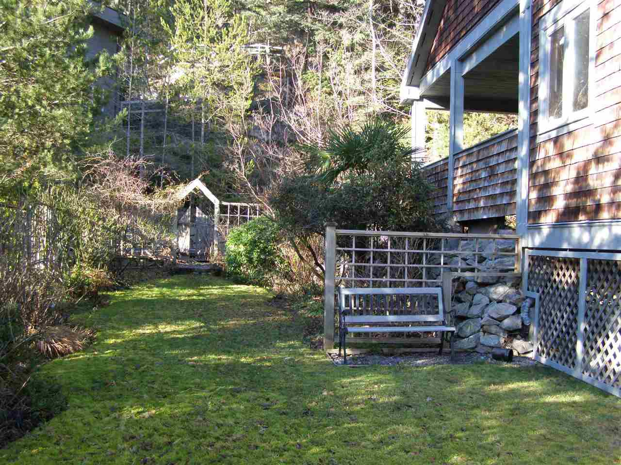 """Photo 4: Photos: 342 CREEK Road: Bowen Island House for sale in """"EAGLE CLIFF"""" : MLS®# R2025478"""