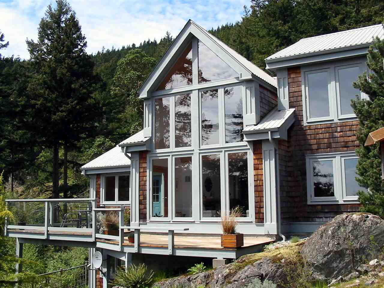 """Photo 2: Photos: 342 CREEK Road: Bowen Island House for sale in """"EAGLE CLIFF"""" : MLS®# R2025478"""