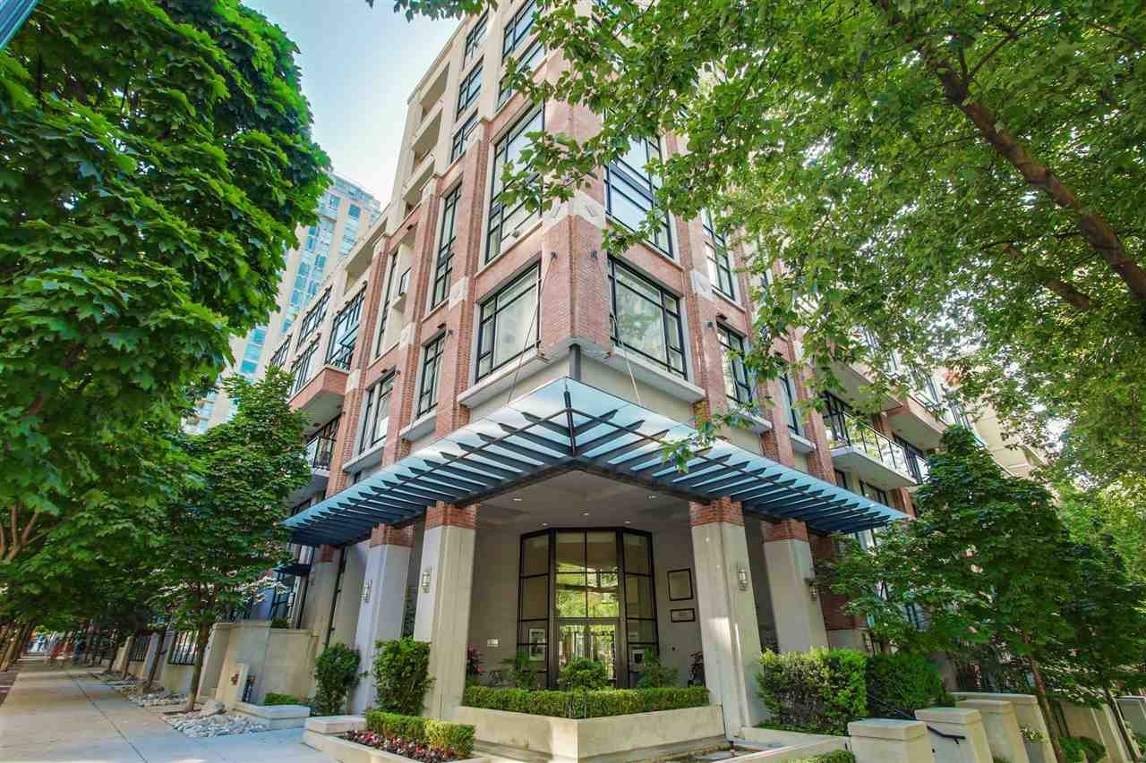 """Main Photo: 411 988 RICHARDS Street in Vancouver: Yaletown Condo for sale in """"TRIBECA LOFTS"""" (Vancouver West)  : MLS®# R2075308"""