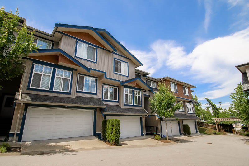 "Main Photo: 26 14462 61A Avenue in Surrey: Sullivan Station Townhouse for sale in ""RAVINA"" : MLS®# R2078323"