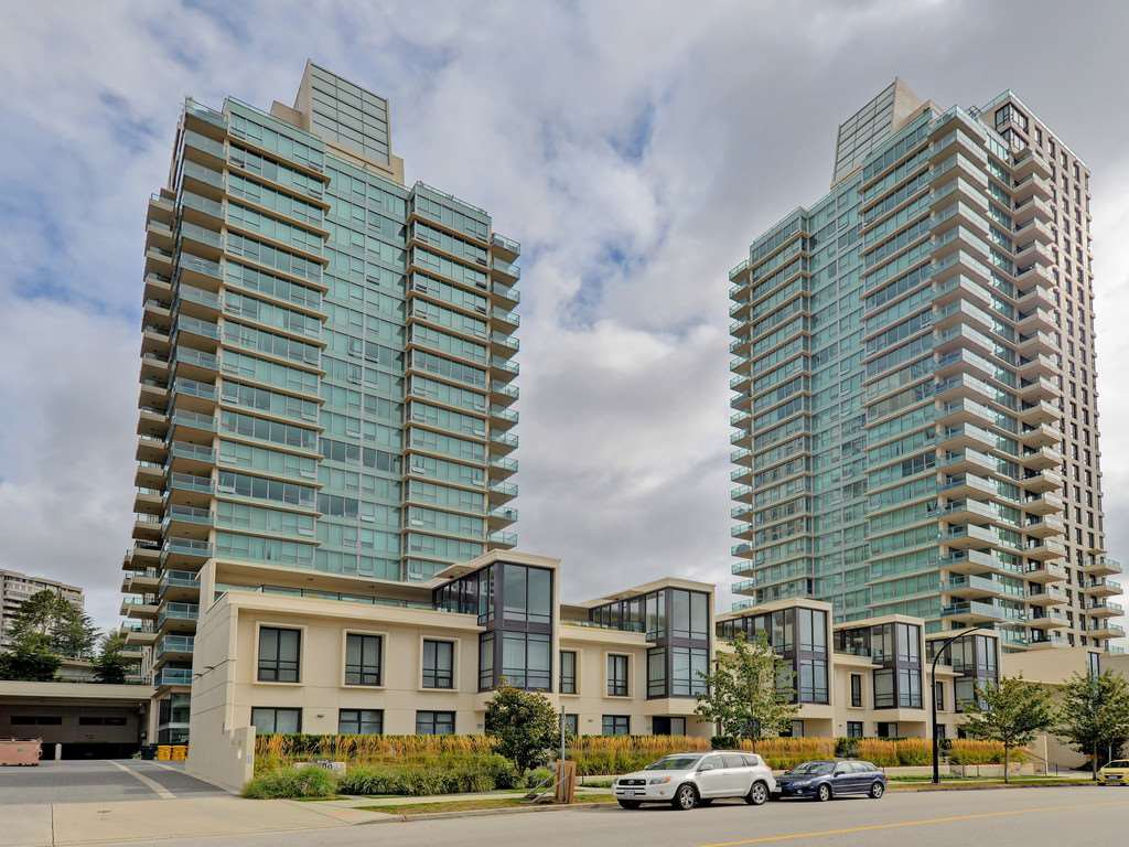 """Main Photo: 906 2200 DOUGLAS Road in Burnaby: Brentwood Park Condo for sale in """"Affinity by Bosa"""" (Burnaby North)  : MLS®# R2105940"""