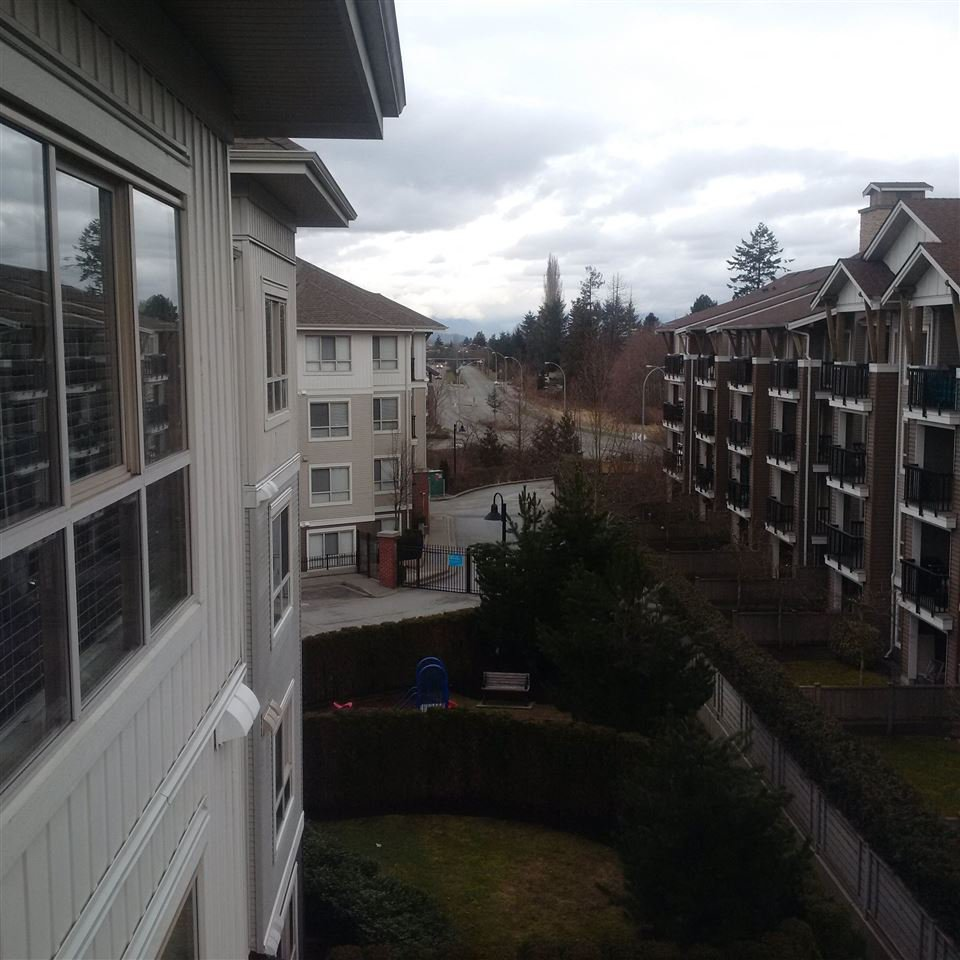 """Photo 5: Photos: A408 8929 202ND Street in Langley: Walnut Grove Condo for sale in """"Grove"""" : MLS®# R2141845"""