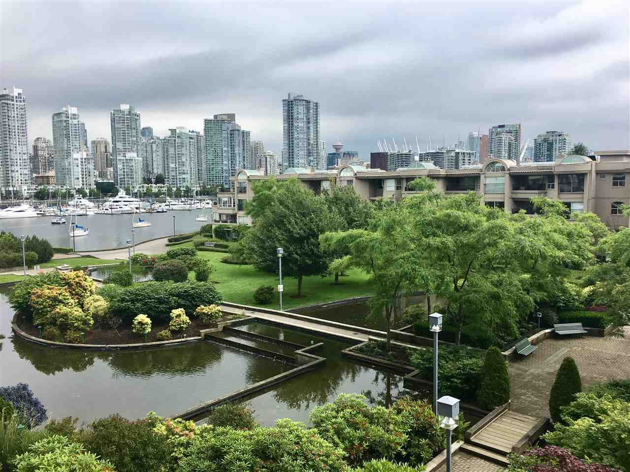 "Main Photo: 402 456 MOBERLY Road in Vancouver: False Creek Condo for sale in ""PACIFIC COVE"" (Vancouver West)  : MLS®# R2179312"