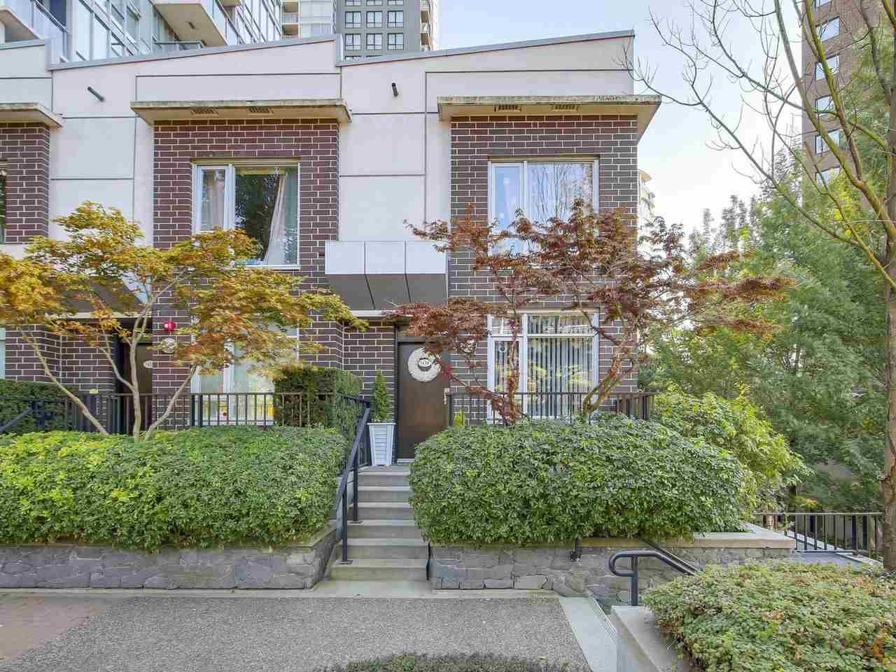 Main Photo: 1438 SEYMOUR MEWS in Vancouver: Yaletown Townhouse for sale (Vancouver West)  : MLS®# R2201290
