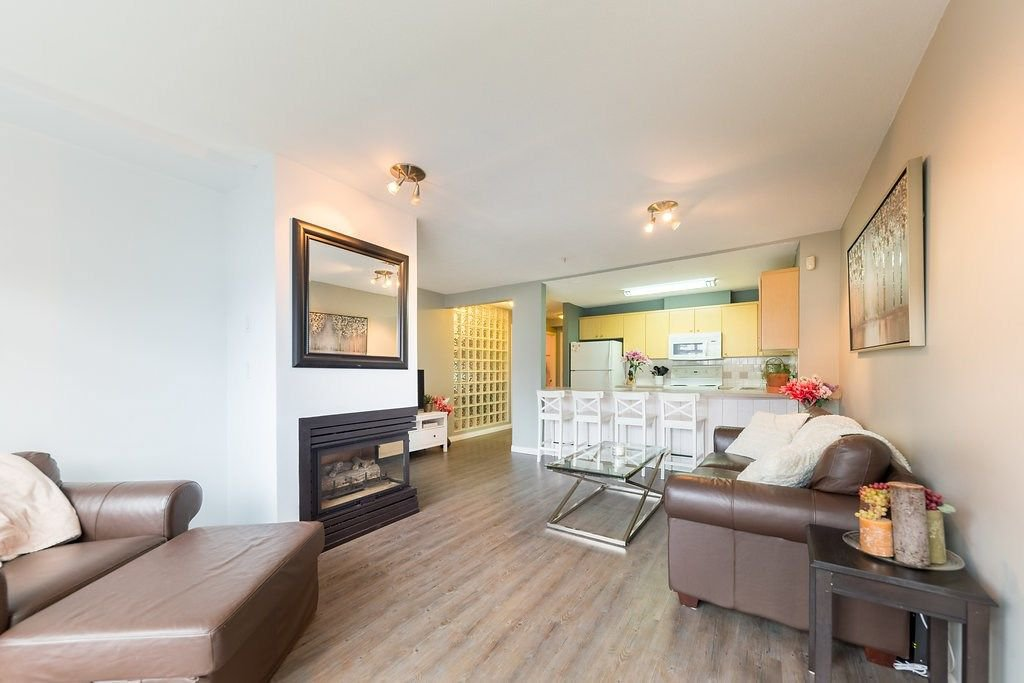 "Photo 3: Photos: 104 3122 ST JOHNS Street in Port Moody: Port Moody Centre Condo for sale in ""SONRISA"" : MLS®# R2252681"