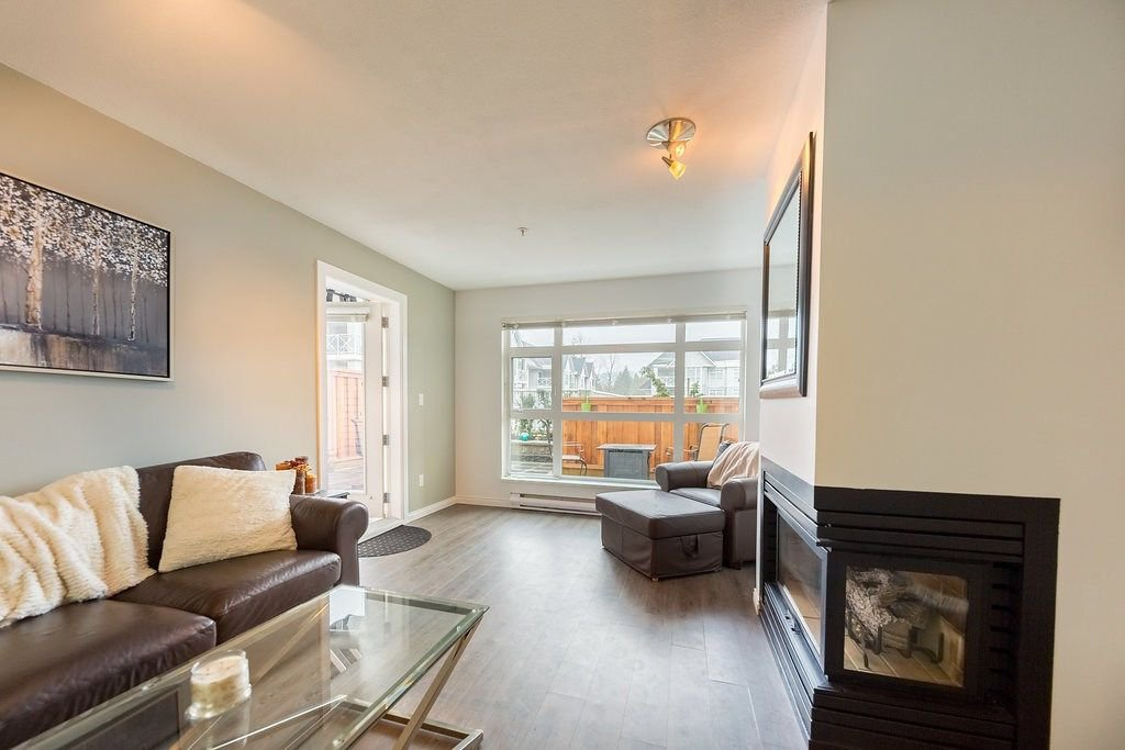 "Photo 2: Photos: 104 3122 ST JOHNS Street in Port Moody: Port Moody Centre Condo for sale in ""SONRISA"" : MLS®# R2252681"