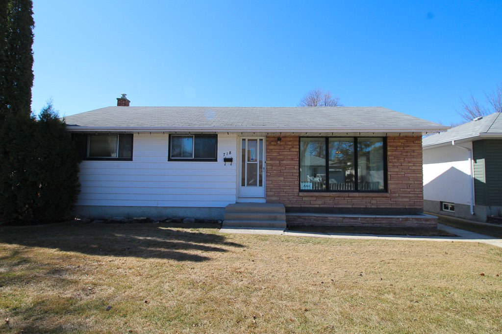 Main Photo: 3 Bedroom bungalow for sale with fully finished basement