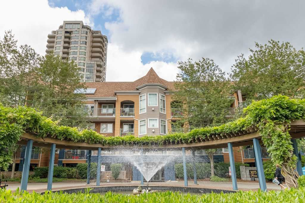 "Main Photo: 308 3075 PRIMROSE Lane in Coquitlam: North Coquitlam Condo for sale in ""LAKESIDE TERRACE"" : MLS®# R2379020"