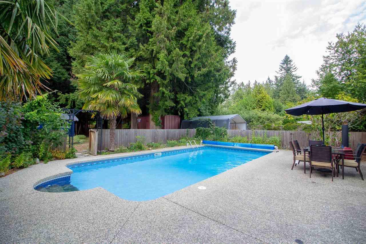 Main Photo: 7964 COOPER Road in Halfmoon Bay: Halfmn Bay Secret Cv Redroofs House for sale (Sunshine Coast)  : MLS®# R2398564