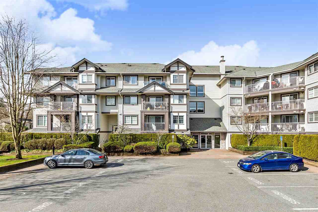 "Main Photo: 112 19320 65 Avenue in Surrey: Clayton Condo for sale in ""ESPRIT AT SOUTHLANDS"" (Cloverdale)  : MLS®# R2446725"