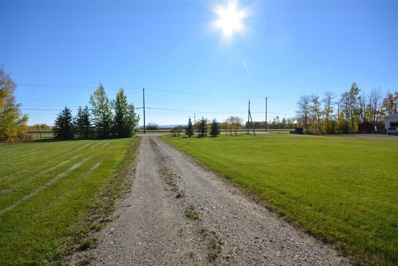 Photo 24: Photos: 6220 FOREST LAWN FRONT Road in Fort St. John: Fort St. John - Rural E 100th Manufactured Home for sale (Fort St. John (Zone 60))  : MLS®# R2459857