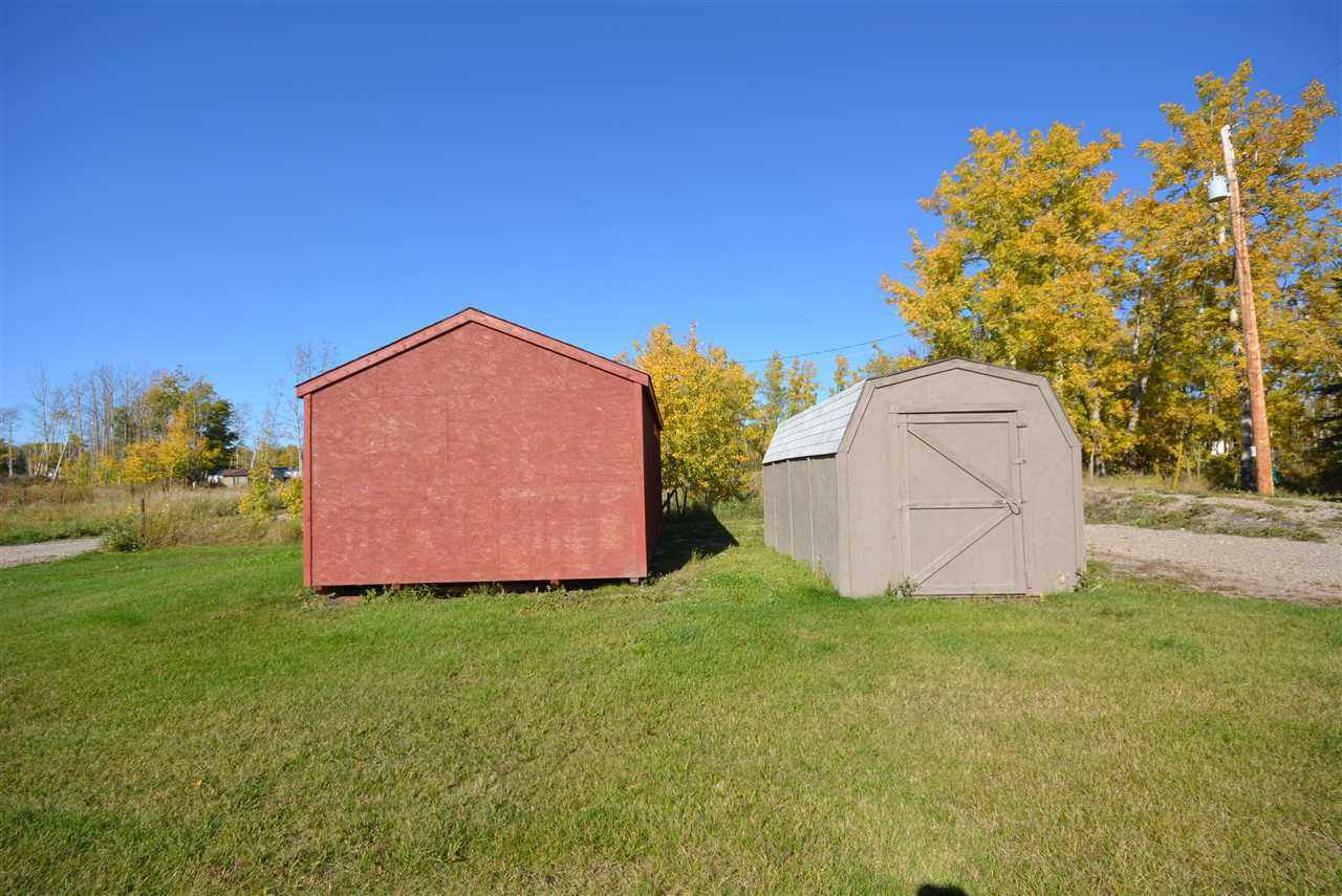 Photo 6: Photos: 6220 FOREST LAWN FRONT Road in Fort St. John: Fort St. John - Rural E 100th Manufactured Home for sale (Fort St. John (Zone 60))  : MLS®# R2459857