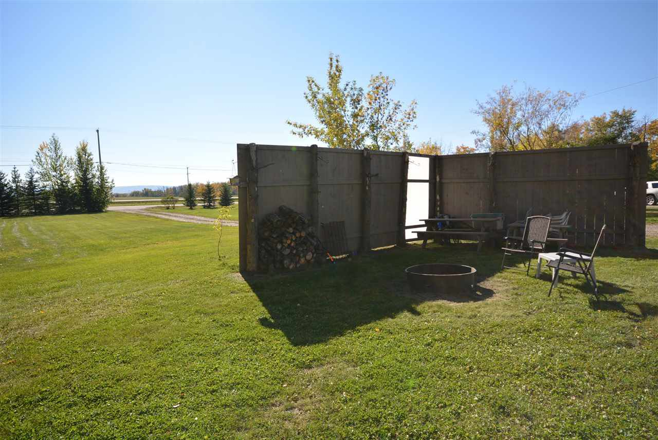 Photo 5: Photos: 6220 FOREST LAWN FRONT Road in Fort St. John: Fort St. John - Rural E 100th Manufactured Home for sale (Fort St. John (Zone 60))  : MLS®# R2459857