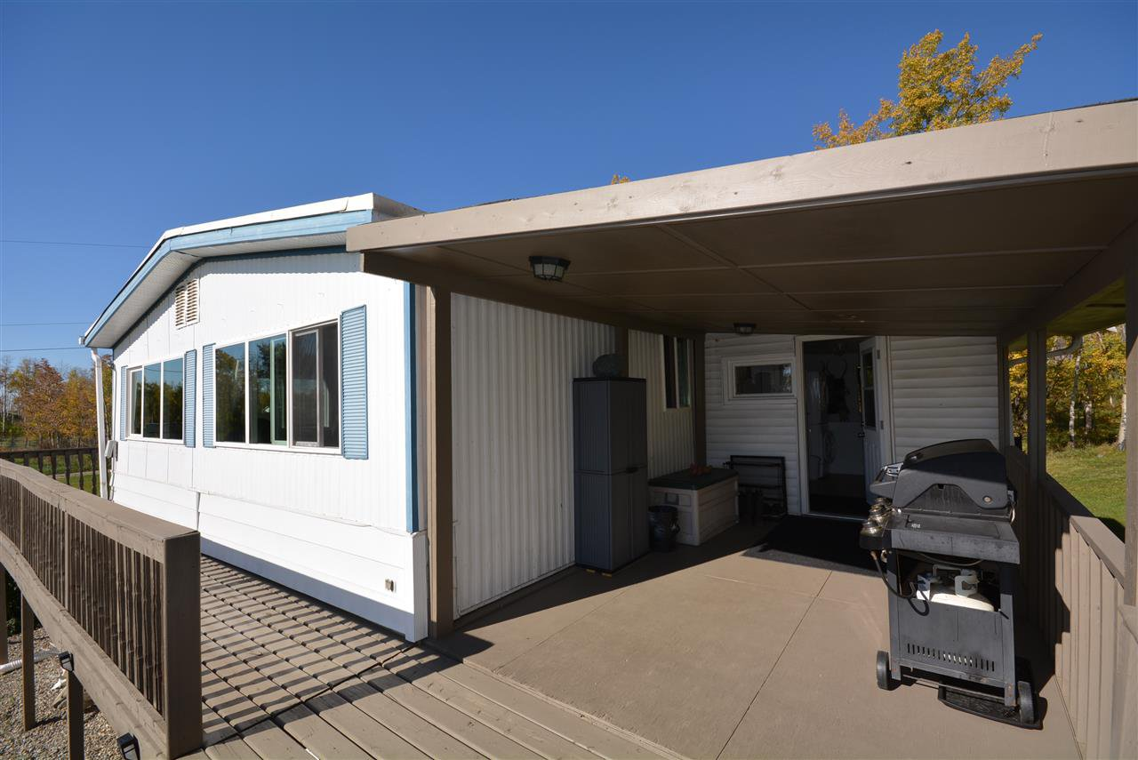 Photo 3: Photos: 6220 FOREST LAWN FRONT Road in Fort St. John: Fort St. John - Rural E 100th Manufactured Home for sale (Fort St. John (Zone 60))  : MLS®# R2459857