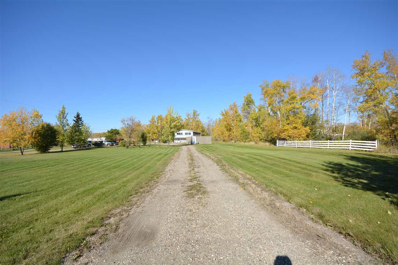 Photo 23: Photos: 6220 FOREST LAWN FRONT Road in Fort St. John: Fort St. John - Rural E 100th Manufactured Home for sale (Fort St. John (Zone 60))  : MLS®# R2459857