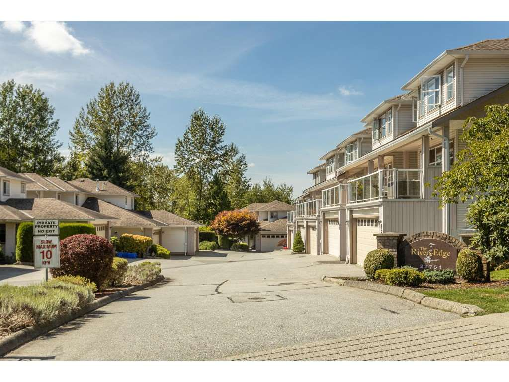 Main Photo: 6 22751 HANEY Bypass in Maple Ridge: East Central Townhouse for sale : MLS®# R2492181