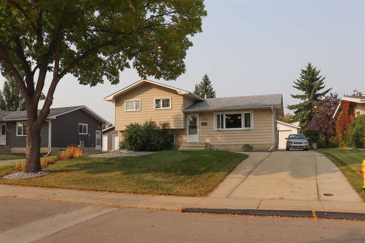 Main Photo: 1059 MCDERMID Drive: Sherwood Park House for sale : MLS®# E4215132