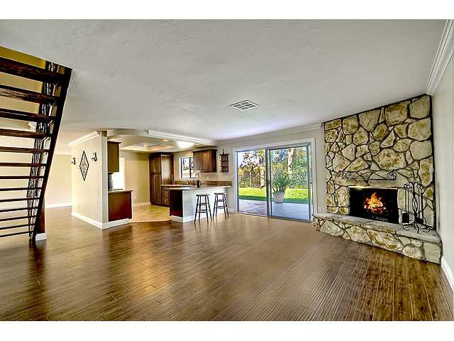 Photo 10: Photos: SCRIPPS RANCH House for sale : 4 bedrooms : 12040 Medoc in San Diego