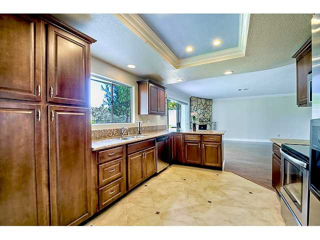 Photo 9: Photos: SCRIPPS RANCH House for sale : 4 bedrooms : 12040 Medoc in San Diego
