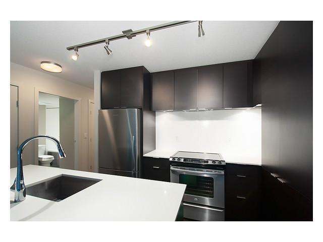 "Main Photo: 506 1679 LLOYD Avenue in North Vancouver: Pemberton NV Condo for sale in ""DISTRICT CROSSING"" : MLS®# V1030048"