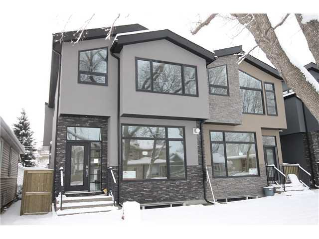Main Photo: 327 18 Avenue NW in CALGARY: Mount Pleasant Residential Attached for sale (Calgary)  : MLS®# C3592843