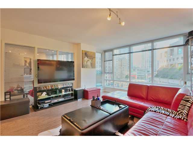 Main Photo: 905 788 HAMILTON Street in Vancouver: Downtown VW Condo for sale (Vancouver West)  : MLS®# V1053998