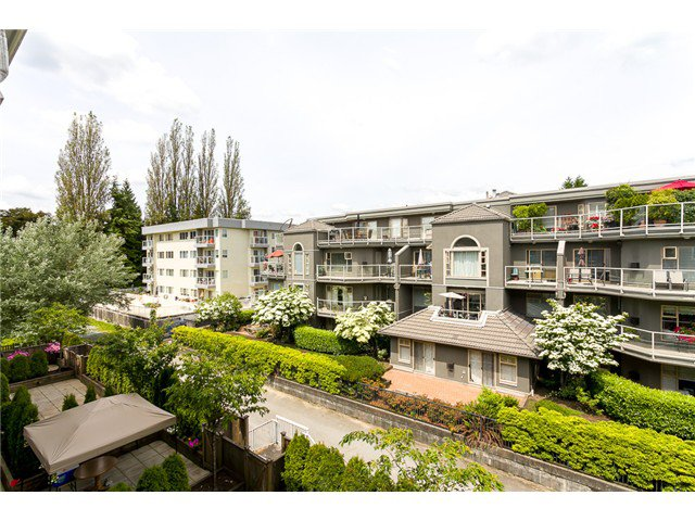 "Main Photo: 306 2373 ATKINS Avenue in Port Coquitlam: Central Pt Coquitlam Condo for sale in ""CARMANDY"" : MLS®# V1069079"