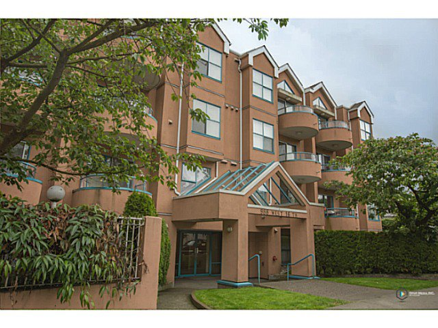 "Main Photo: 208 988 W 16TH Avenue in Vancouver: Cambie Condo for sale in ""THE OAKS"" (Vancouver West)  : MLS®# V1086203"