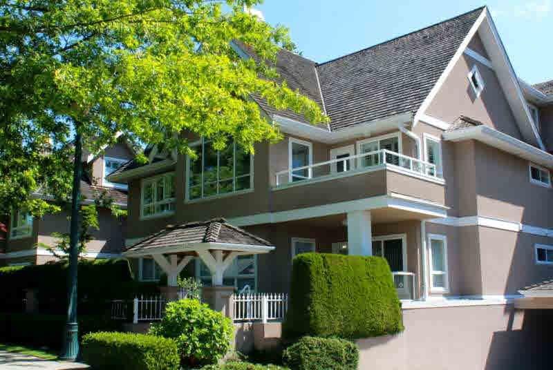 "Main Photo: 203 1250 55TH Street in Tsawwassen: Cliff Drive Condo for sale in ""SANDOLLAR"" : MLS®# V1128833"