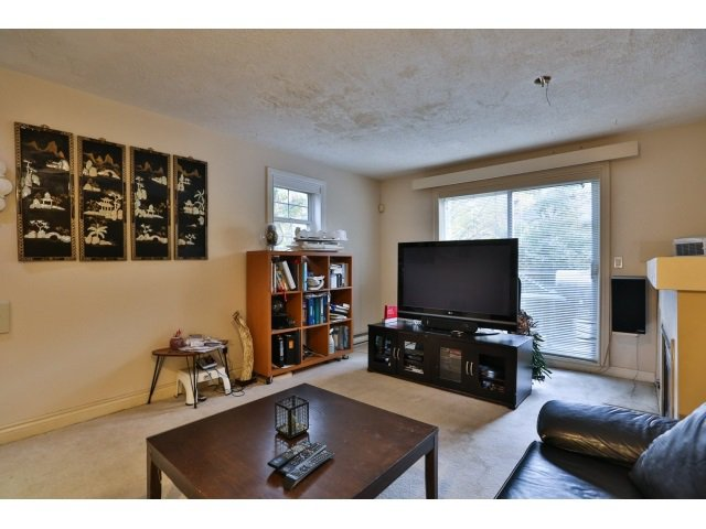"Photo 4: Photos: 88 1561 BOOTH Avenue in Coquitlam: Maillardville Townhouse for sale in ""THE COURCELLES"" : MLS®# R2010267"