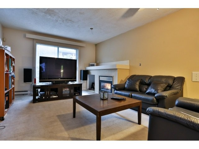 "Photo 3: Photos: 88 1561 BOOTH Avenue in Coquitlam: Maillardville Townhouse for sale in ""THE COURCELLES"" : MLS®# R2010267"