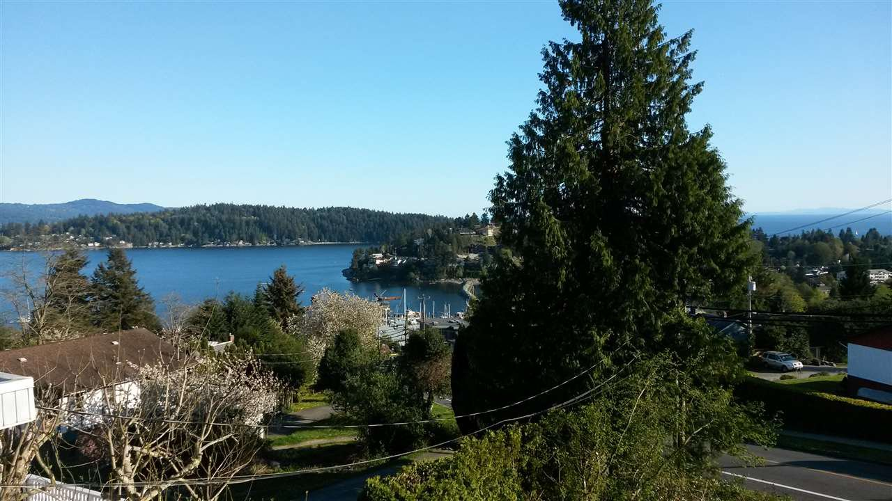 """Main Photo: 11 694 SCHOOL Road in Gibsons: Gibsons & Area Townhouse for sale in """"Sea Air Estates"""" (Sunshine Coast)  : MLS®# R2055911"""