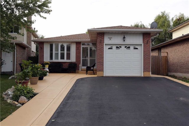 Main Photo: 704 Coulson Avenue in Milton: Timberlea House (Bungalow) for sale : MLS®# W3620366
