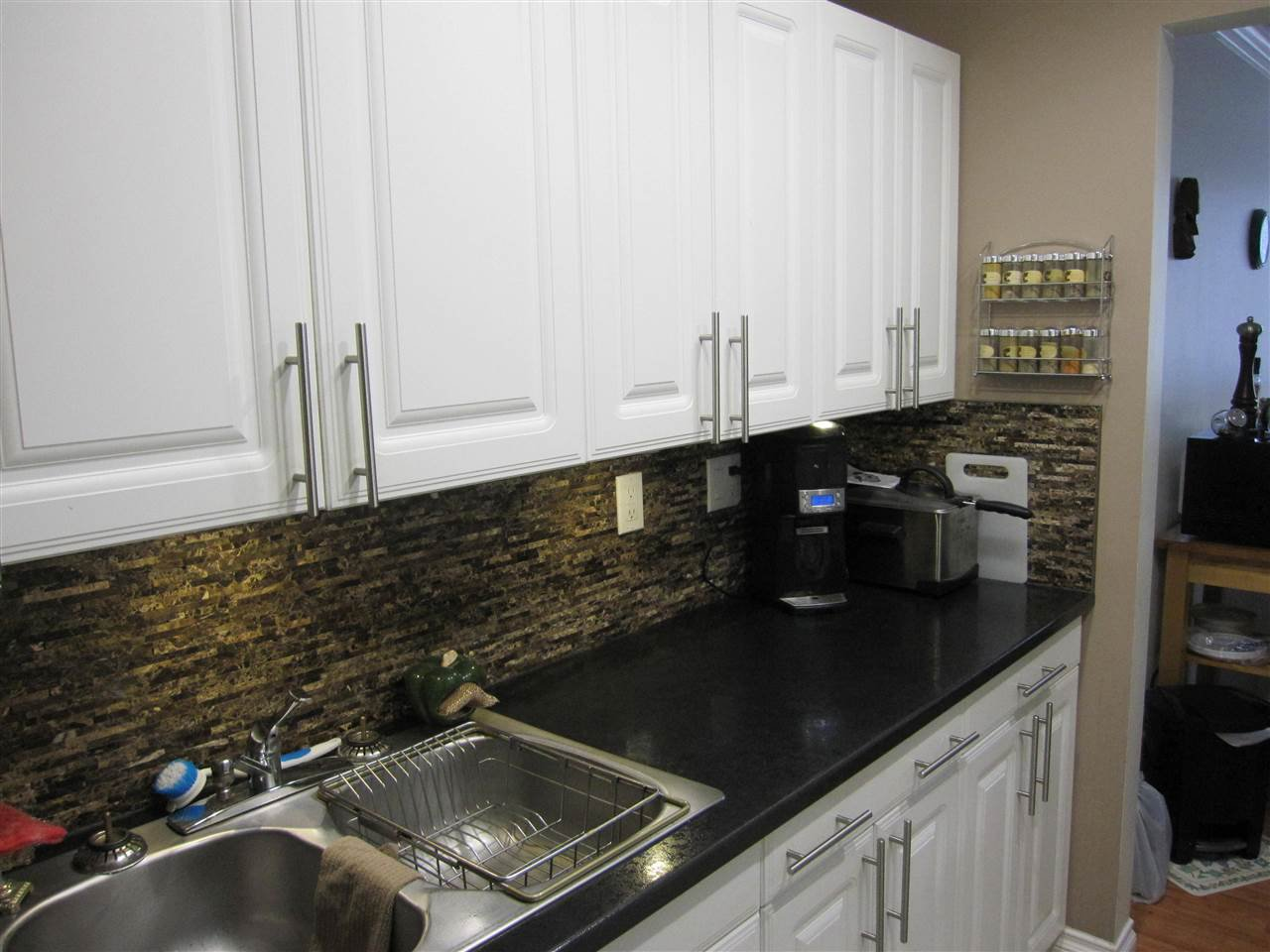 """Photo 7: Photos: 114 12096 222 Street in Maple Ridge: West Central Condo for sale in """"CANUCK PLAZA"""" : MLS®# R2119789"""
