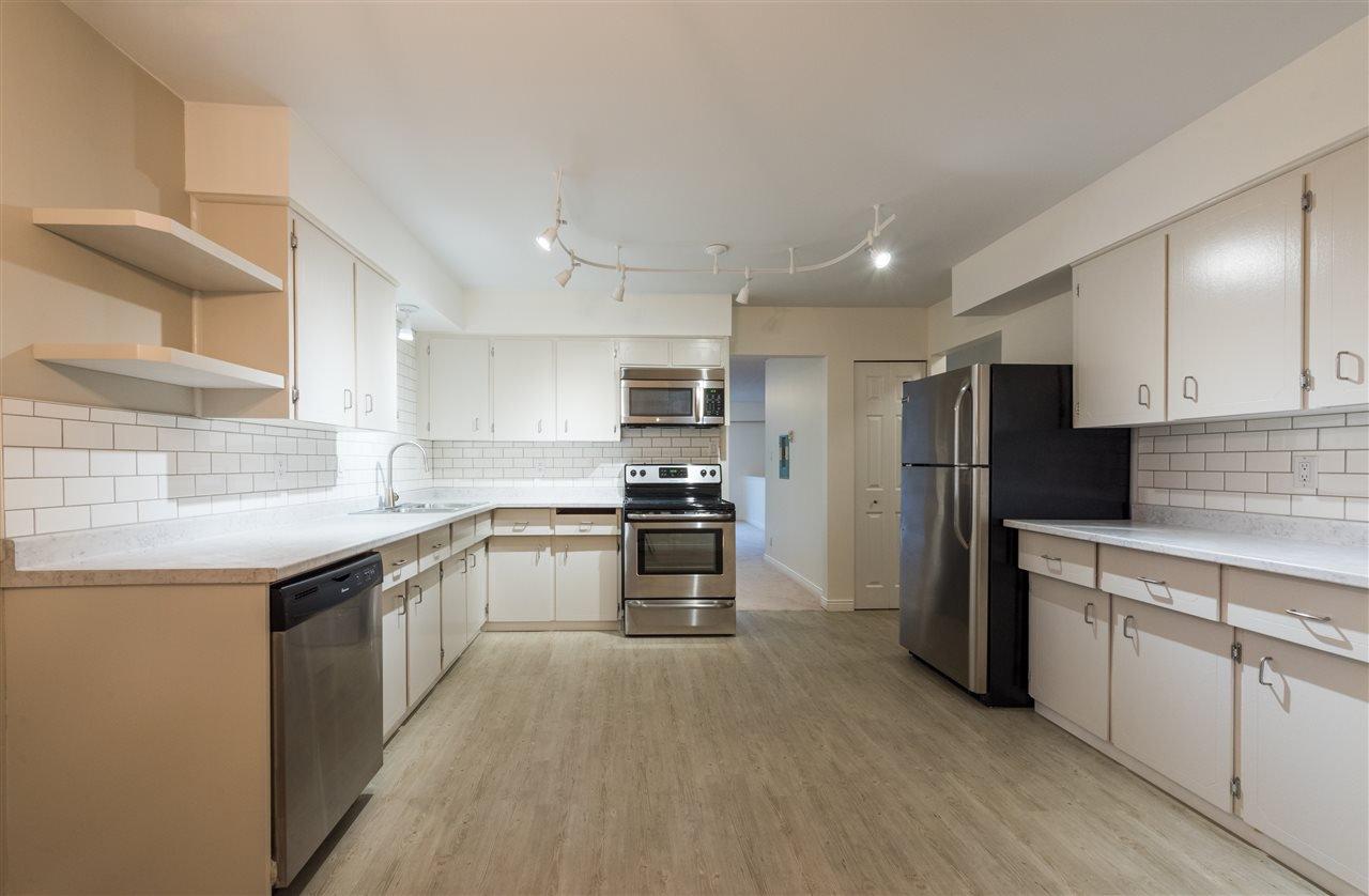 Main Photo: 1328 ZENITH Road in Squamish: Brackendale 1/2 Duplex for sale : MLS®# R2121750