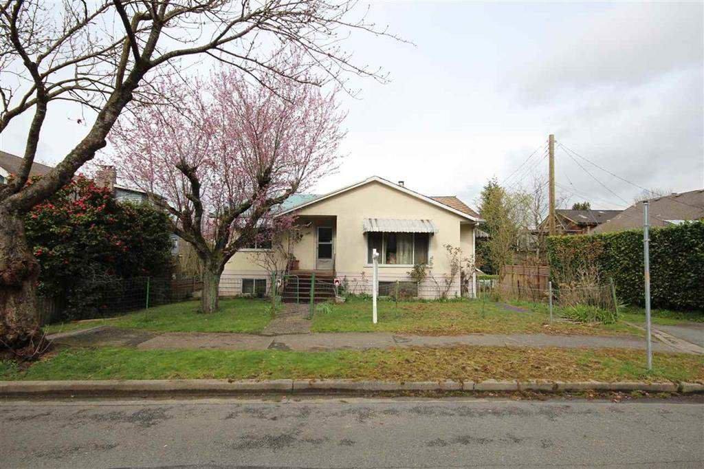 Main Photo: 1267 E 20TH Avenue in Vancouver: Knight House for sale (Vancouver East)  : MLS®# R2208945