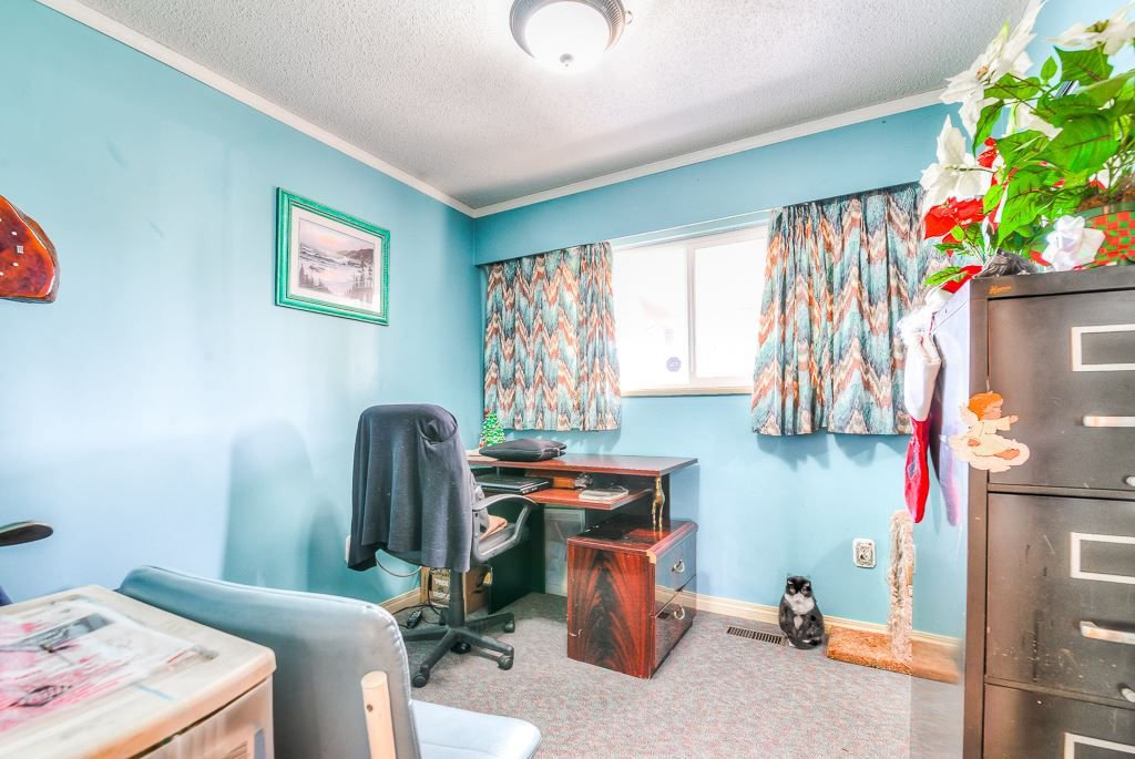 Photo 11: Photos: 9498 127A Street in Surrey: Queen Mary Park Surrey House for sale : MLS®# R2233780