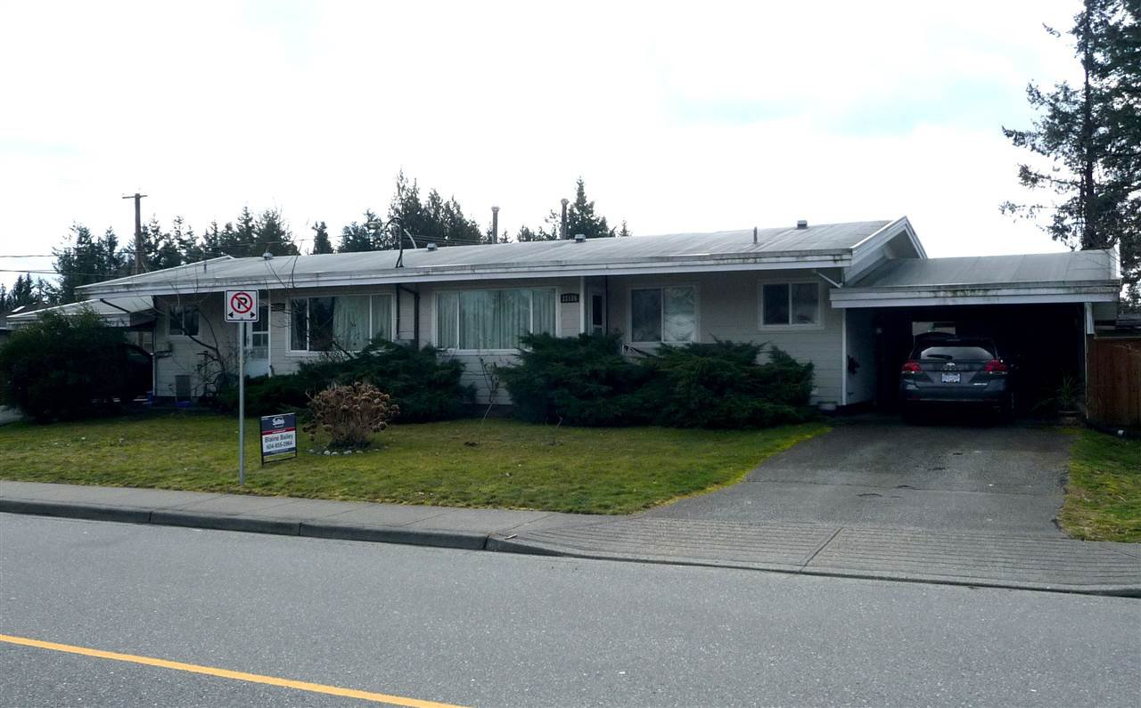 Main Photo: 33186 BRUNDIGE Avenue in Abbotsford: Central Abbotsford House Duplex for sale : MLS®# R2244270