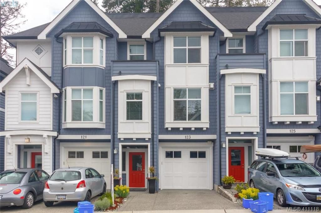 Main Photo: 123 1064 Gala Crt in VICTORIA: La Happy Valley Row/Townhouse for sale (Langford)  : MLS®# 815002