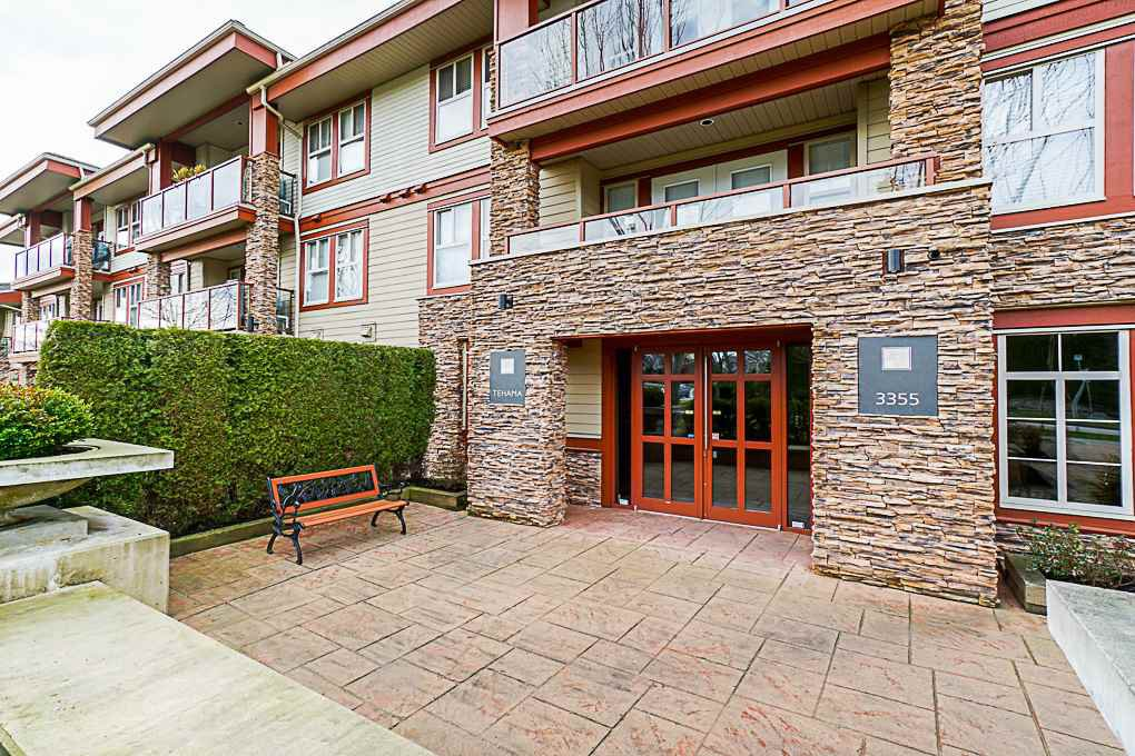 "Main Photo: 306 3355 ROSEMARY HEIGHTS Drive in Surrey: Morgan Creek Condo for sale in ""Tehama"" (South Surrey White Rock)  : MLS®# R2375676"