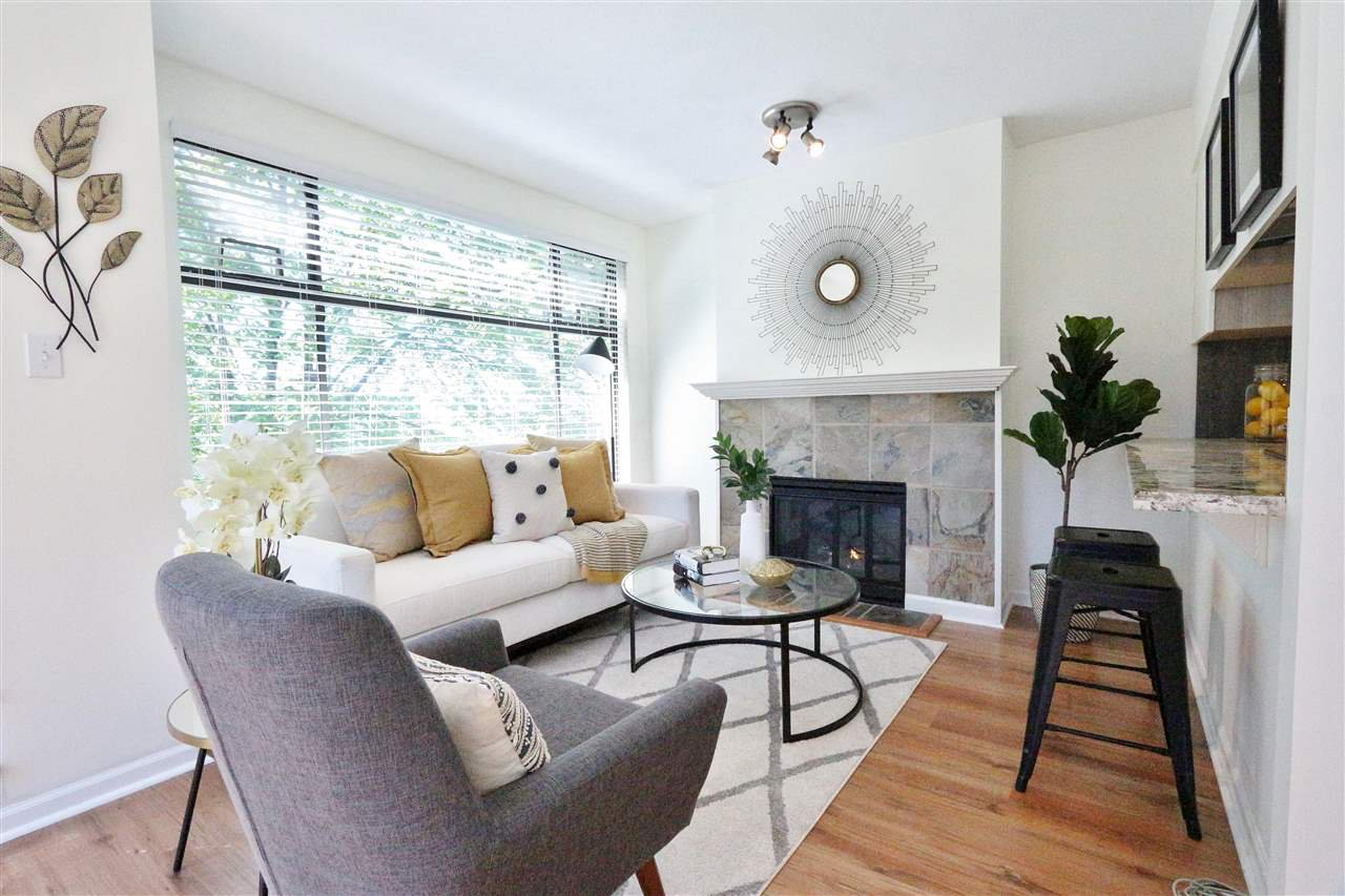 Main Photo: 304 1702 CHESTERFIELD Avenue in North Vancouver: Central Lonsdale Condo for sale : MLS®# R2382926