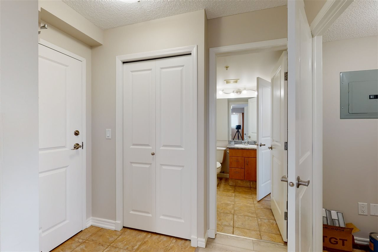 Photo 18: Photos: 1601 10303 105 Street in Edmonton: Zone 12 Condo for sale : MLS®# E4211500