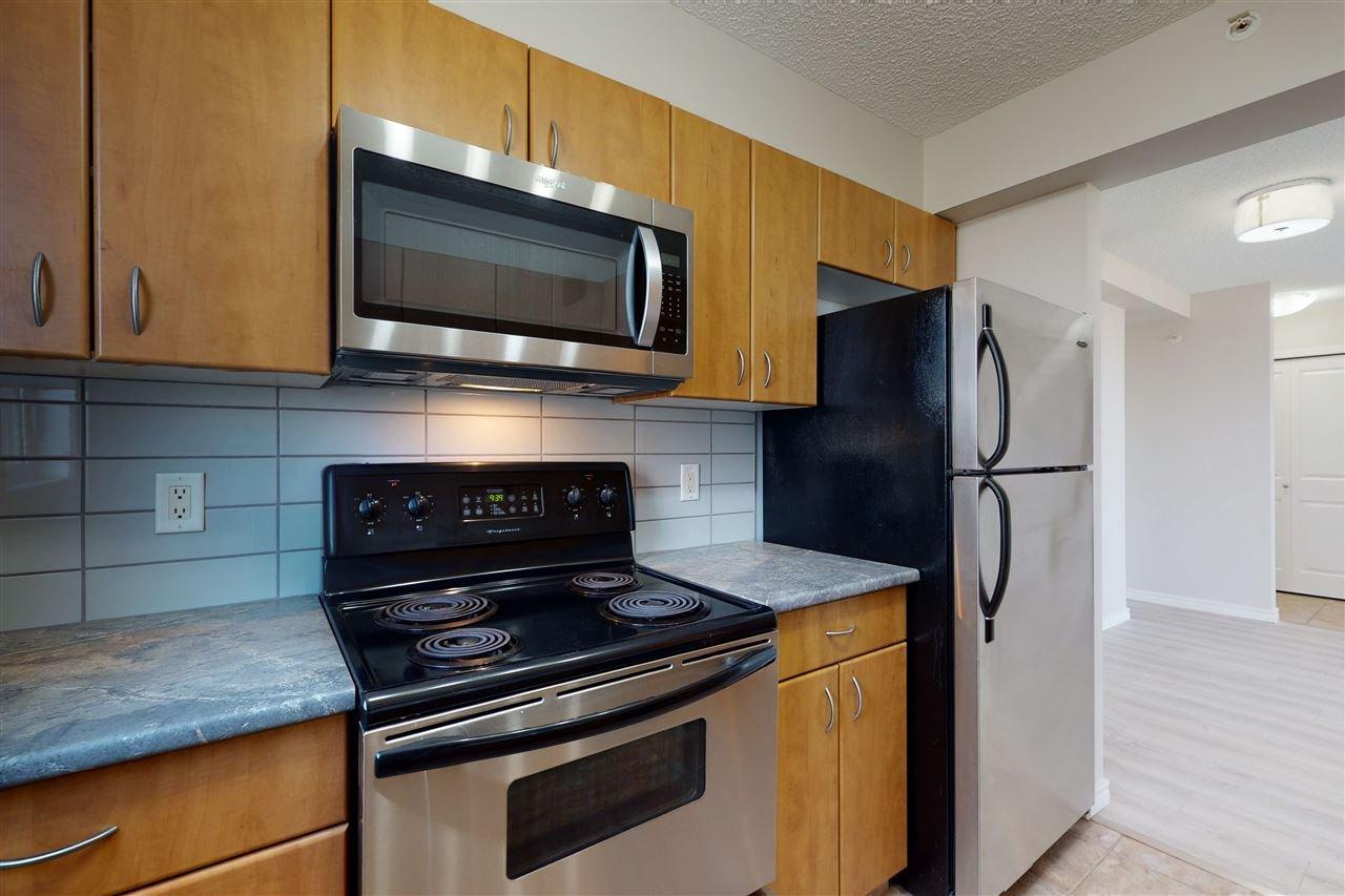 Photo 13: Photos: 1601 10303 105 Street in Edmonton: Zone 12 Condo for sale : MLS®# E4211500