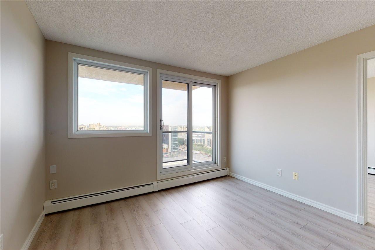 Photo 15: Photos: 1601 10303 105 Street in Edmonton: Zone 12 Condo for sale : MLS®# E4211500