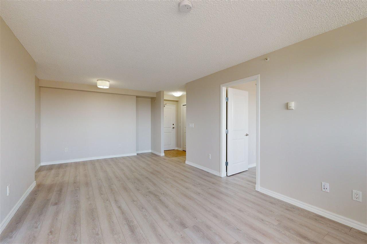 Photo 8: Photos: 1601 10303 105 Street in Edmonton: Zone 12 Condo for sale : MLS®# E4211500