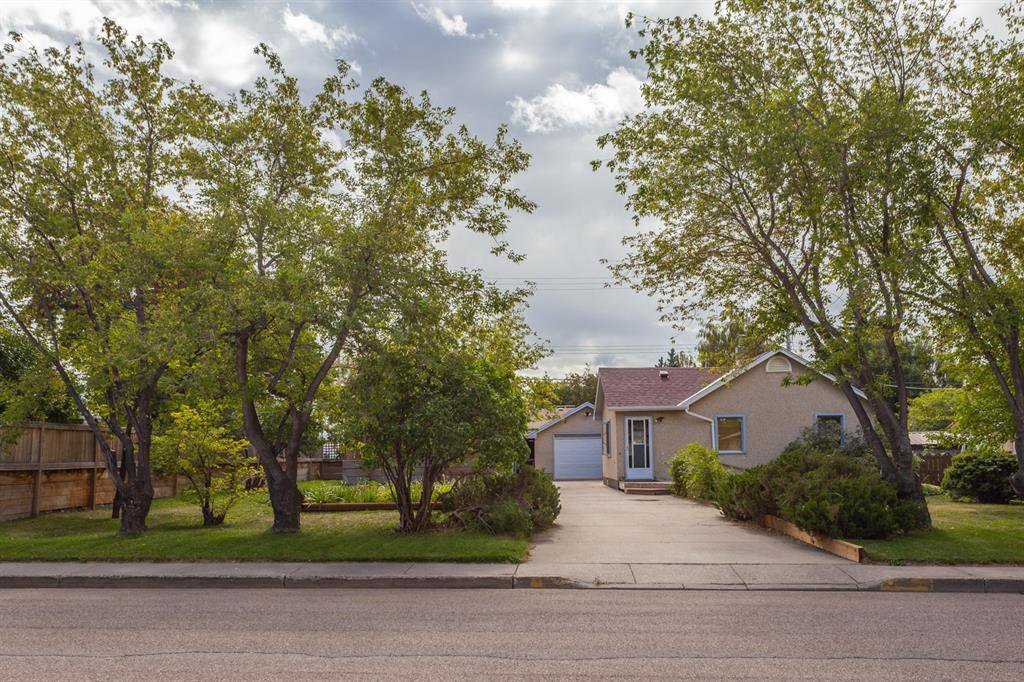 Main Photo: 5613 51 Street: Olds Detached for sale : MLS®# A1030380
